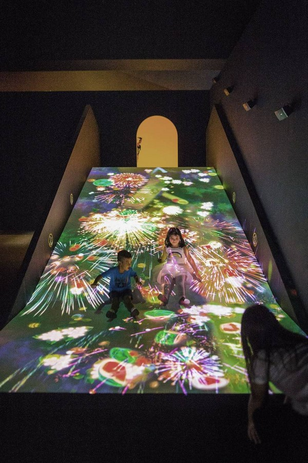ArtScience Museum by Moshe Safdie: The Welcoming Hand of Singapore- Sheet10