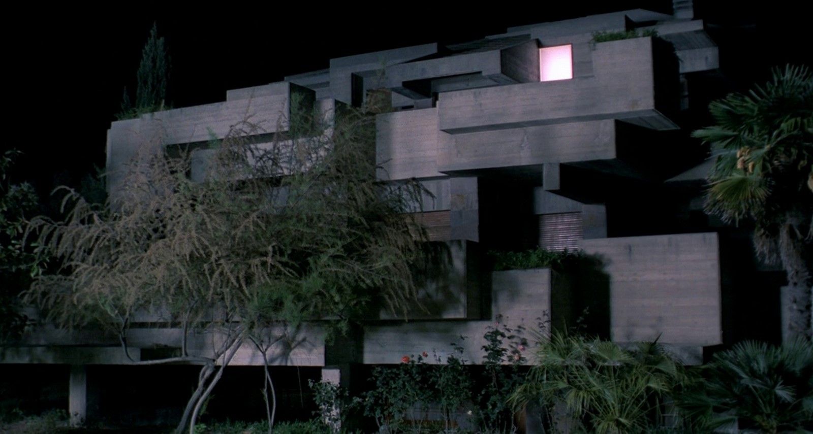 6 Examples of Movies with Brutalist Buildings - Sheet10