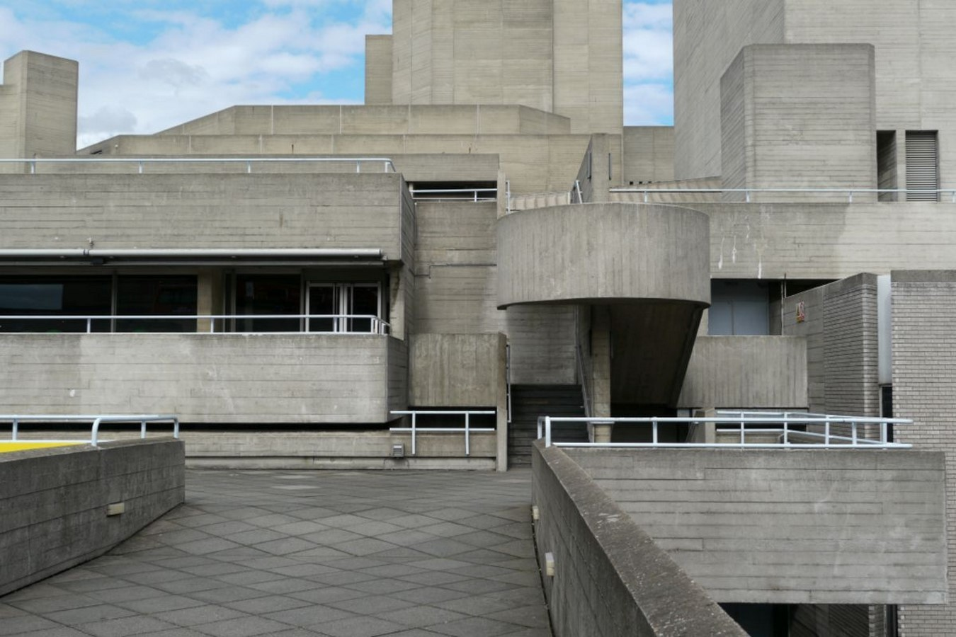 6 Examples of Movies with Brutalist Buildings - Sheet3