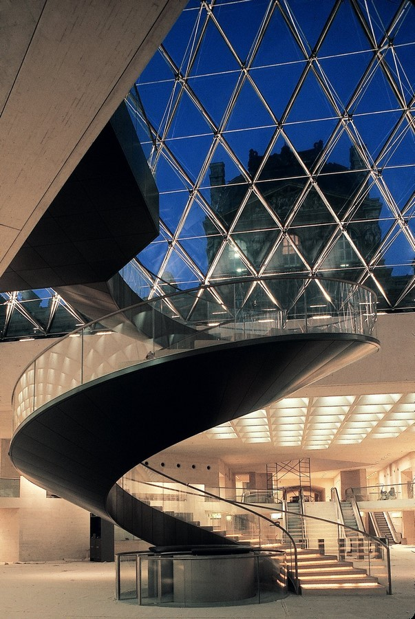 Louvre Pyramid by I.M, Pei: The Glass Pyramid- Sheet11