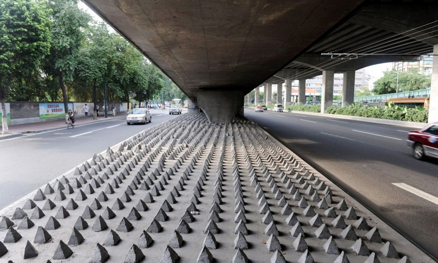 Under-road spikes in Guangzhou, China- Sheet1