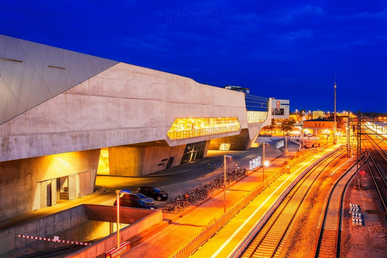 Phaeno Science Centre by Zaha Hadid: An architectural adventureplayground - Sheet9