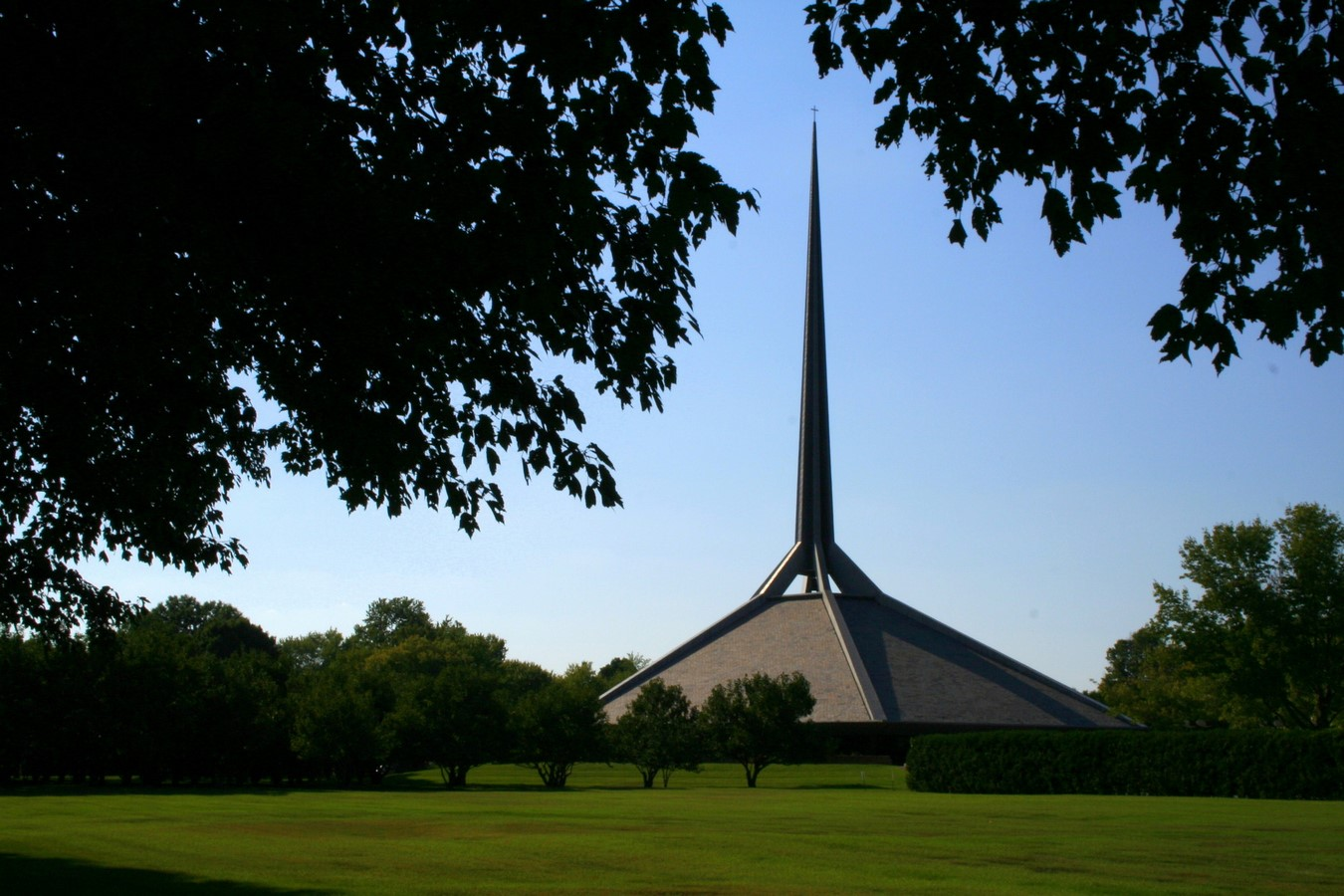 North Christian Church by Eero Saarinen: Church inspired from Angkor Wat and Borobudur - Sheet4