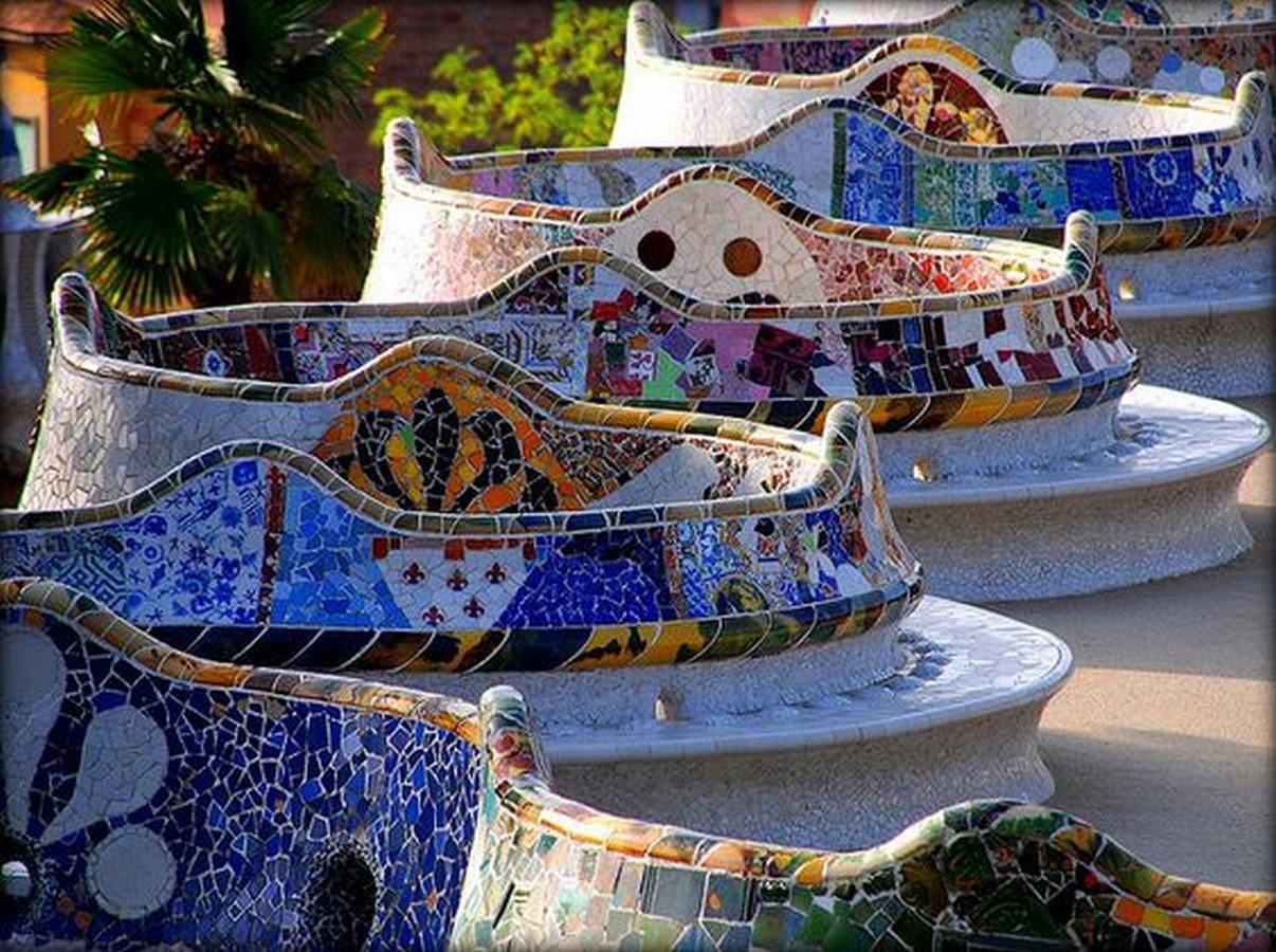 Park Güell by Antoni Gaudi: House turned Museum - Sheet10