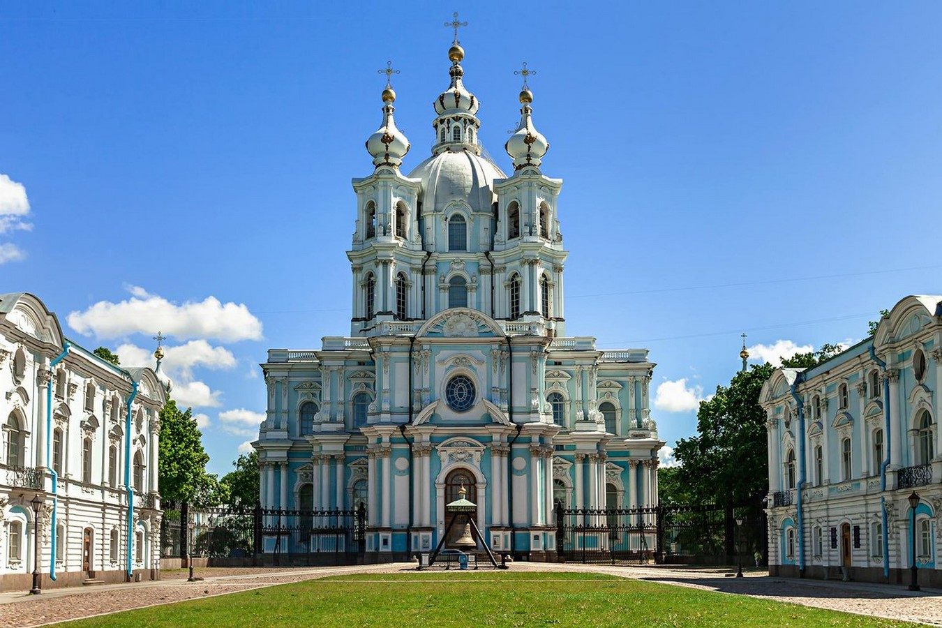 10 Structures that represent the Historical architecture of Russia - Sheet4