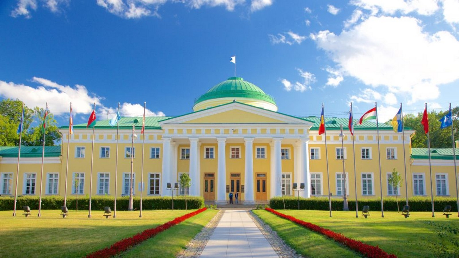 10 Structures that represent the Historical architecture of Russia - Sheet5