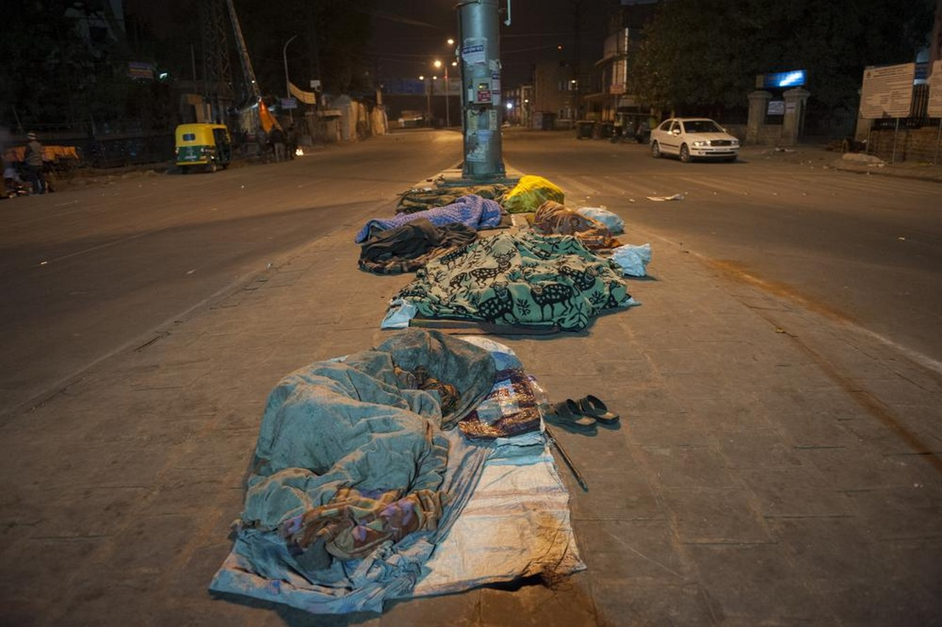 Hostile Architecture in India: Literally Fighting Poverty - Sheet5