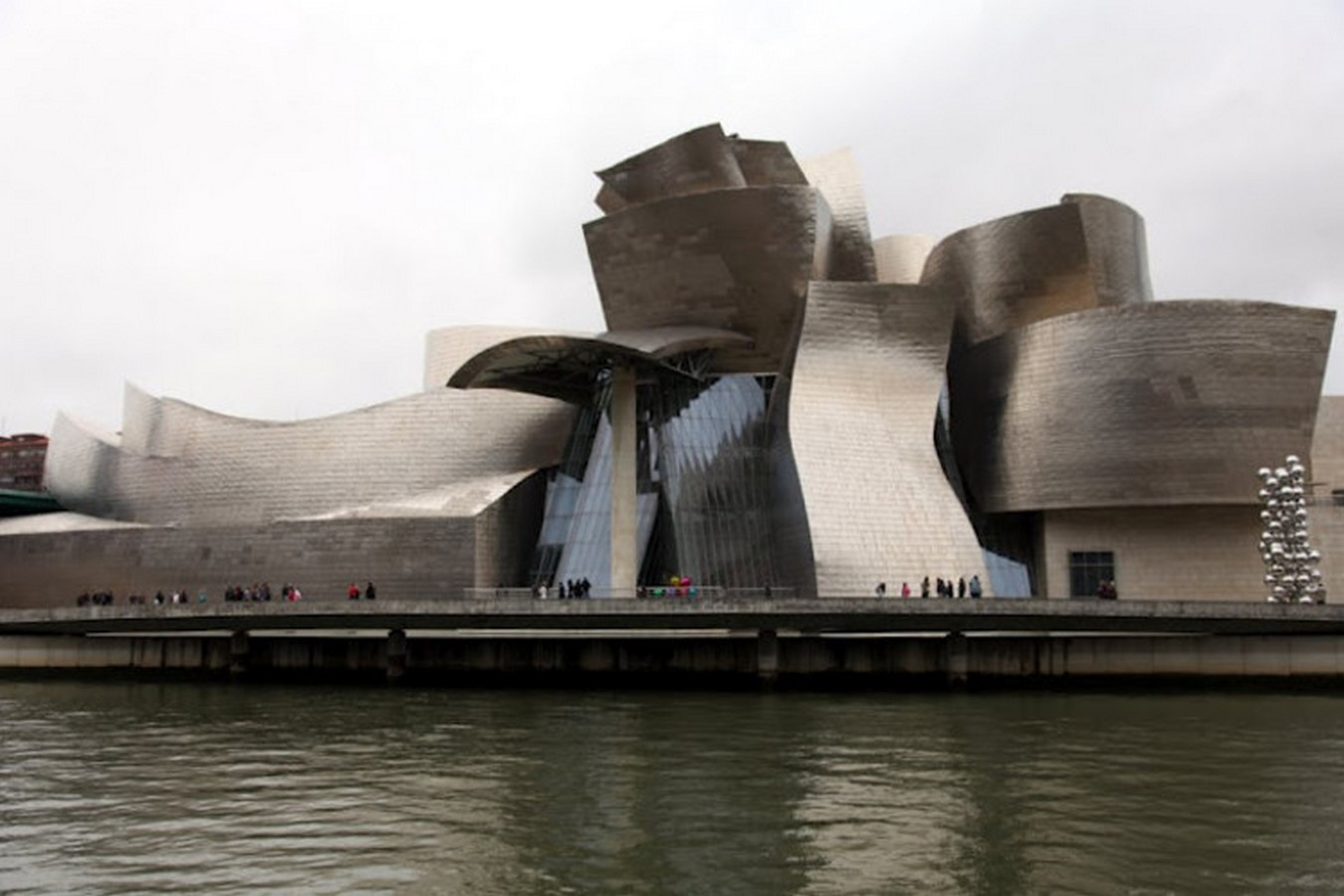 Guggenheim Museum Bilbao by Frank Gehry: United the Critics, Academics, and the General public - Sheet1