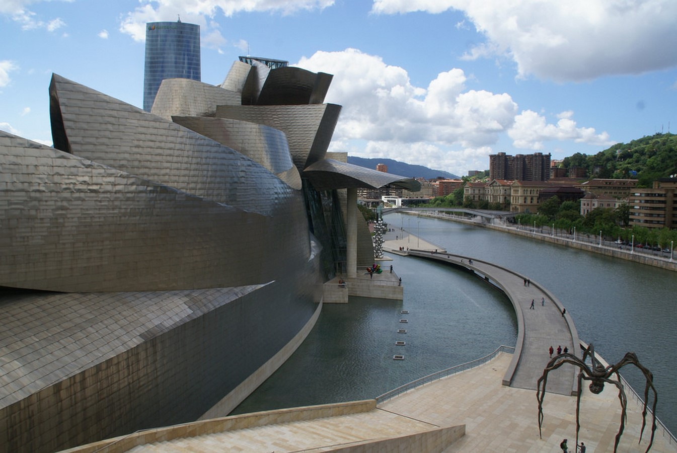 Guggenheim Museum Bilbao by Frank Gehry: United the Critics, Academics, and the General public - Sheet2