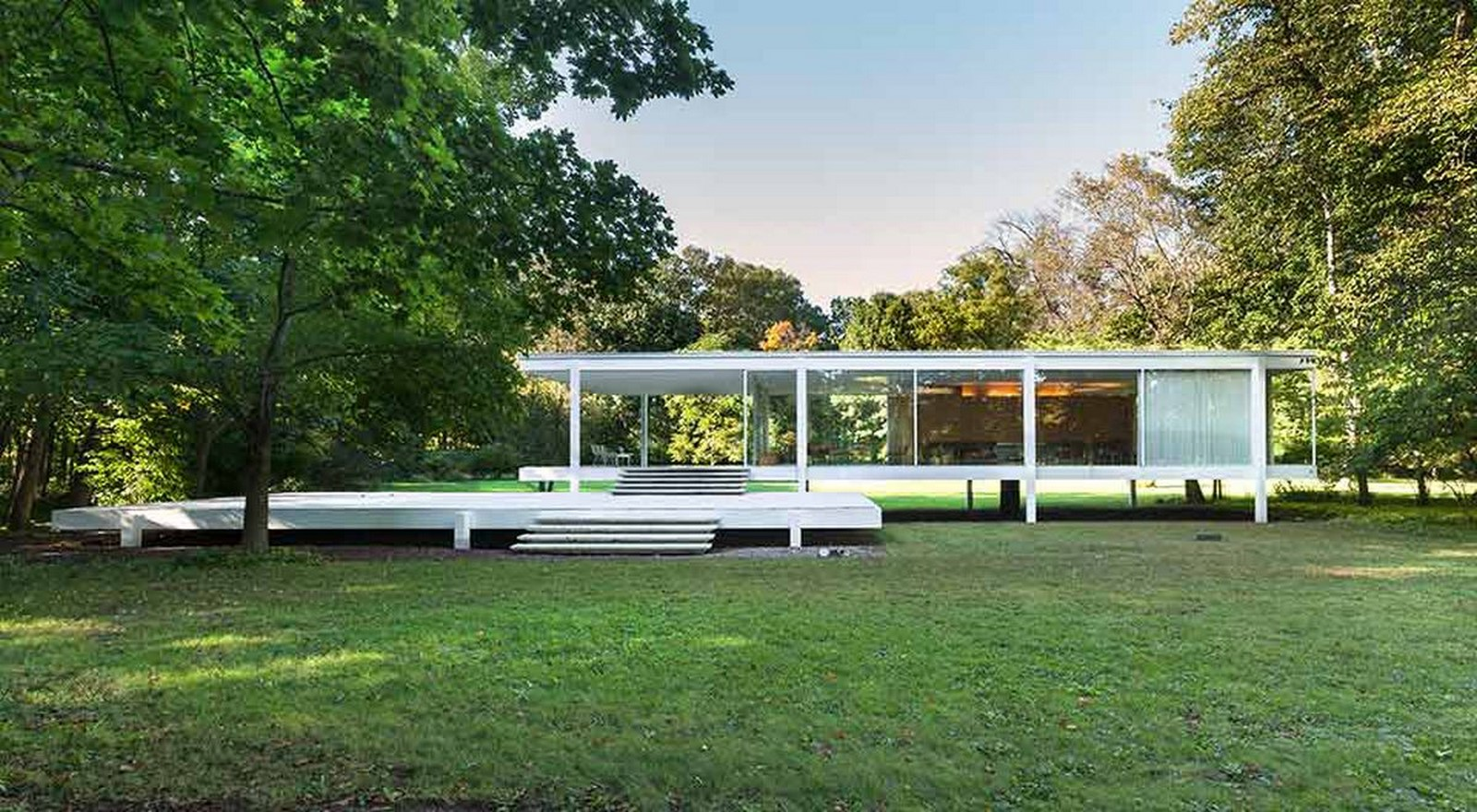 Farnsworth House, Illinois, Chicago, USA by Mies Van der Rohe - Sheet1