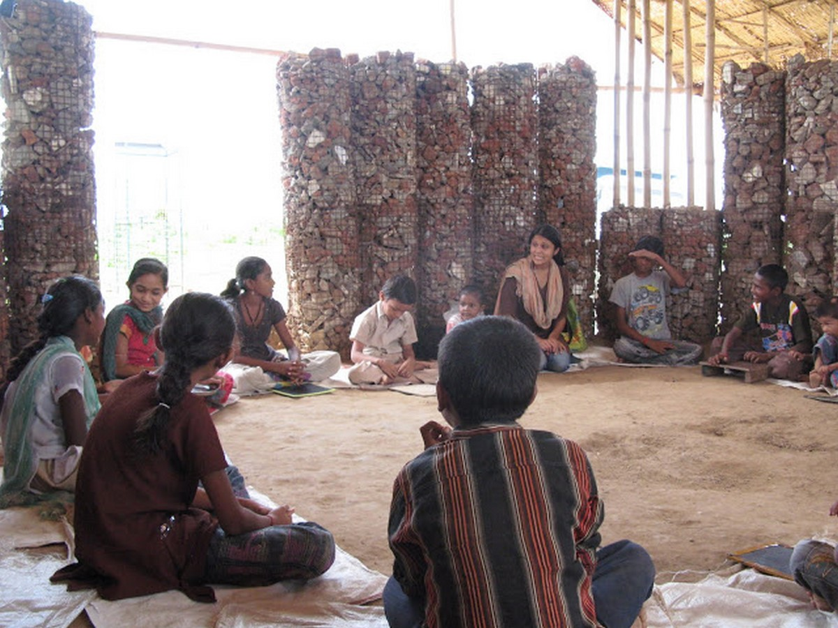 10 Reasons to architects should practice for humanitarian architecture - Sheet17