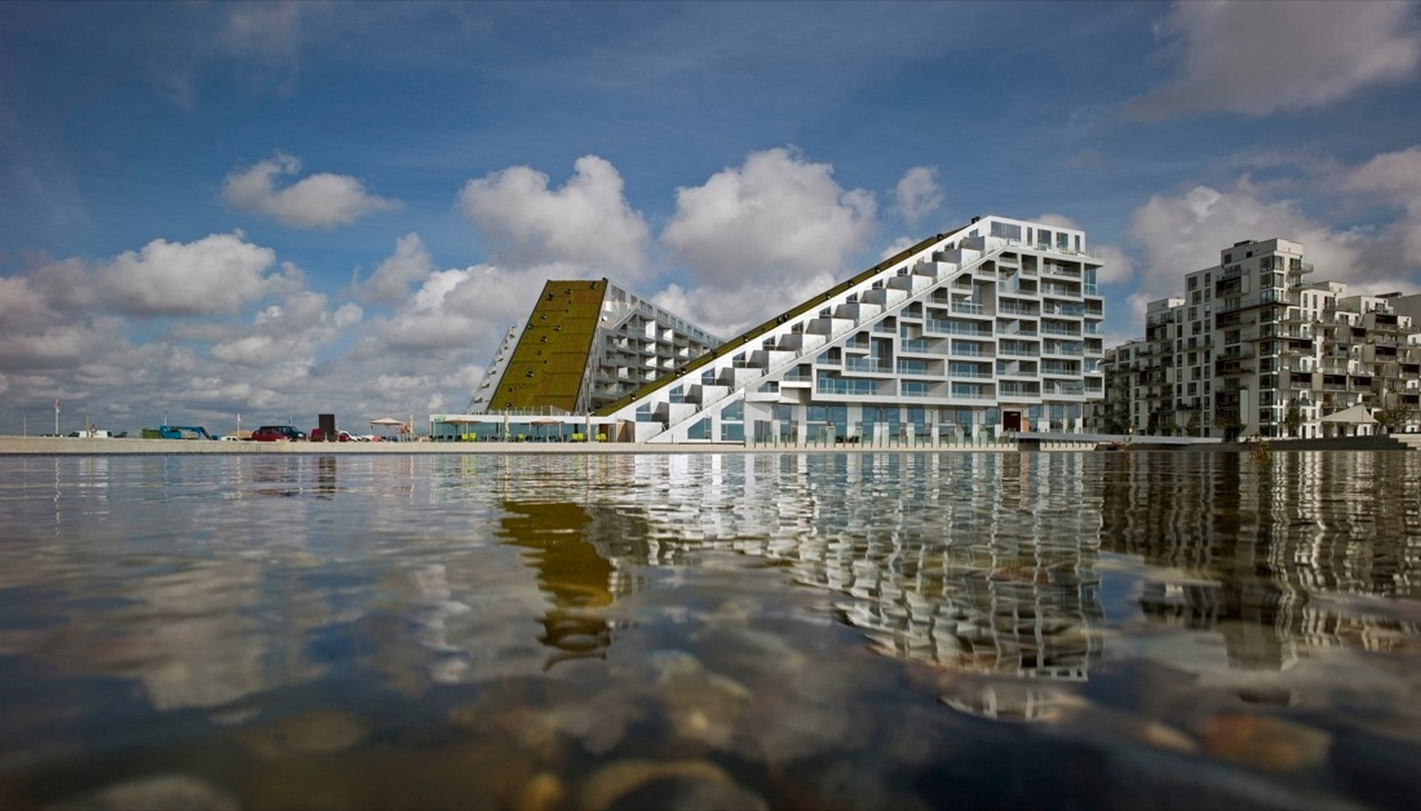 8 House by Bjarke Ingels: The bow-shaped building - Sheet1