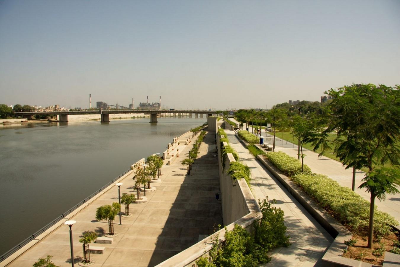 Sabarmati Riverfront Development by Dr. Bimal Patel: A Tale of Urban Transformation - RTF | Rethinking The Future - Sheet5