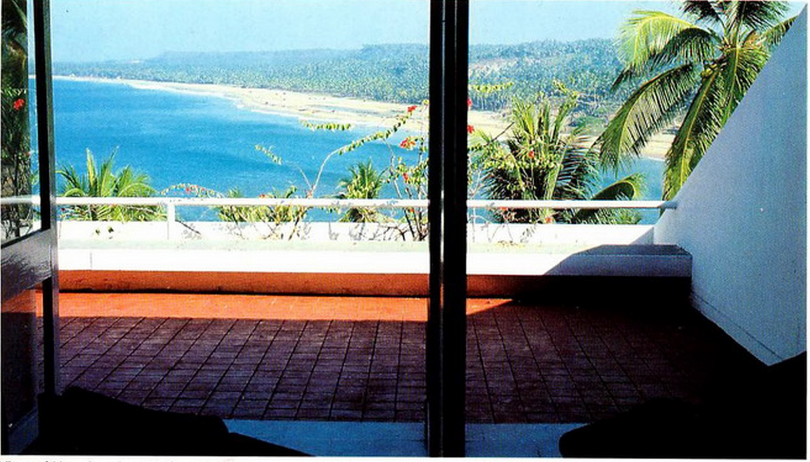 Kovalam Beach Resort by Charles Correa: Open to sky space Approach - Sheet7