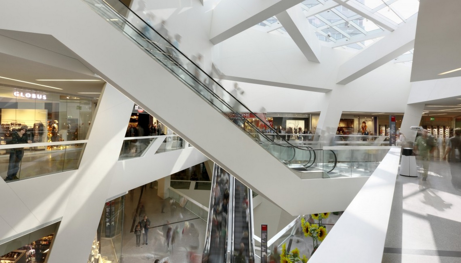 Westside Shopping and Leisure Centre by Daniel Libeskind: Unification of commerce, culture and leisure - Sheet5