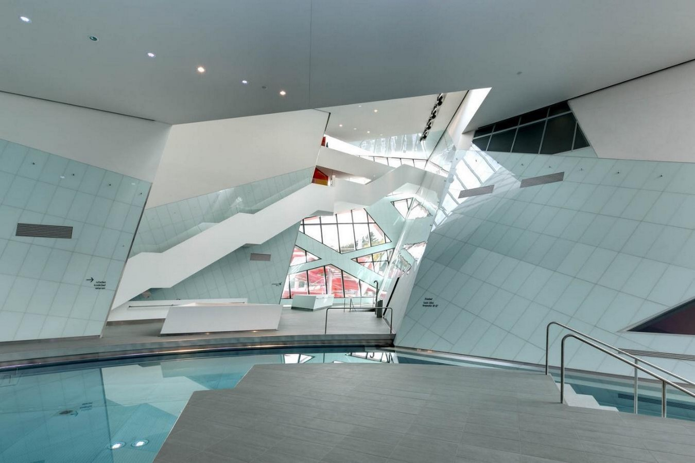 Westside Shopping and Leisure Centre by Daniel Libeskind: Unification of commerce, culture and leisure - Sheet6