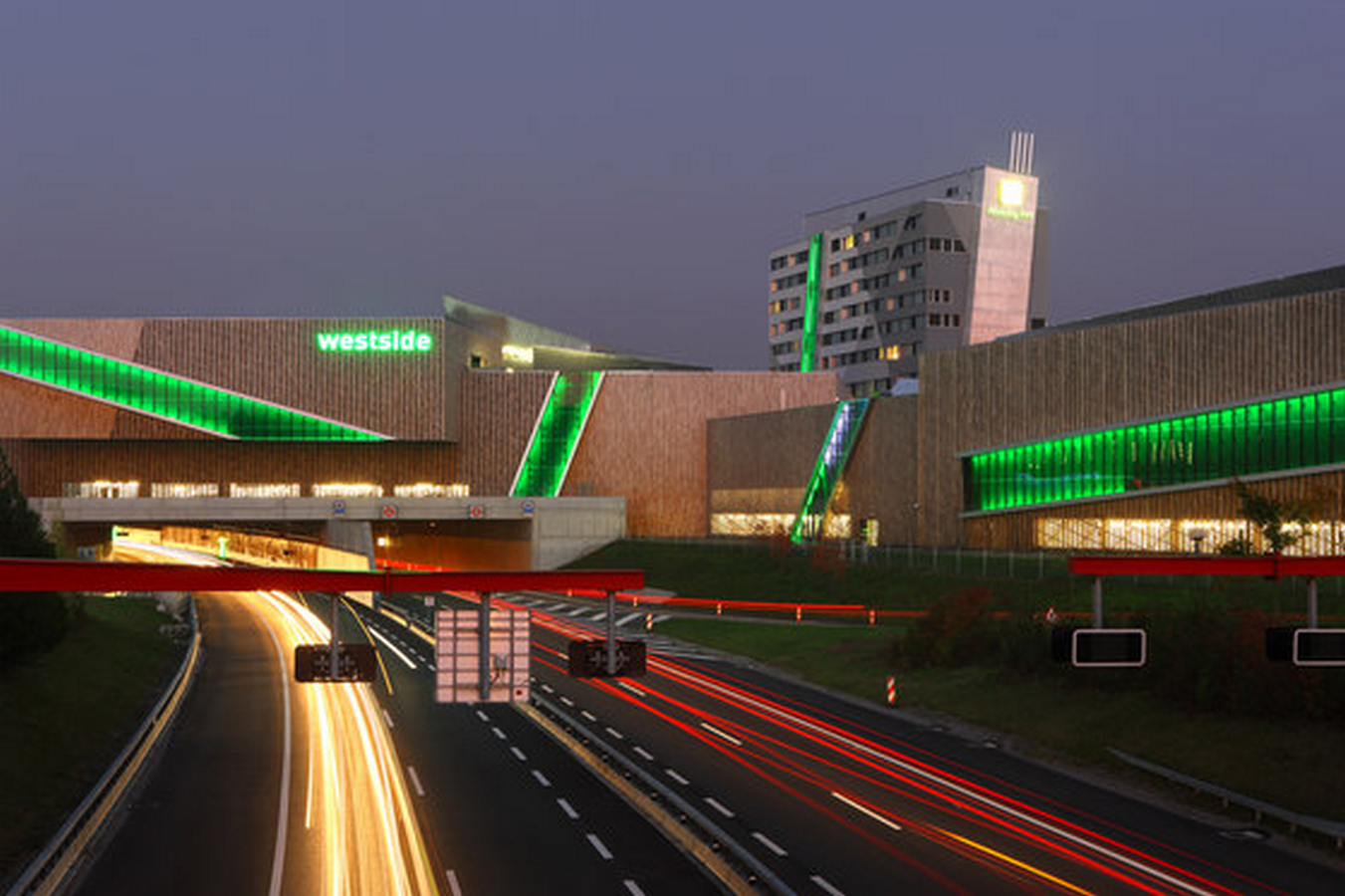 Westside Shopping and Leisure Centre by Daniel Libeskind: Unification of commerce, culture and leisure - Sheet9