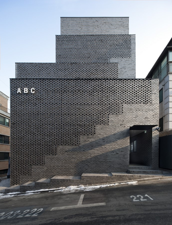 Unusual methods of using bricks in architecture -Sheet18