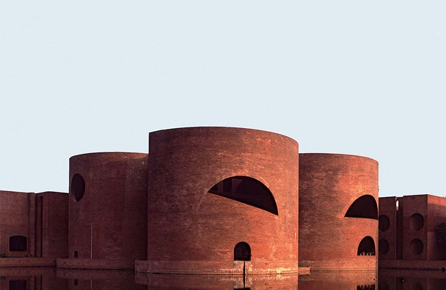 Unusual methods of using bricks in architecture