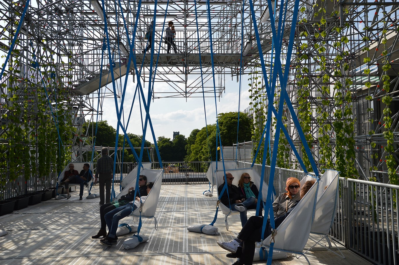 10 examples of modern public spaces - Sheet14