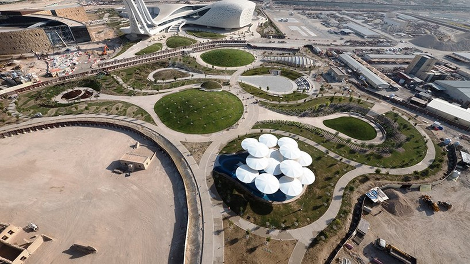 10 examples of modern public spaces - Sheet17