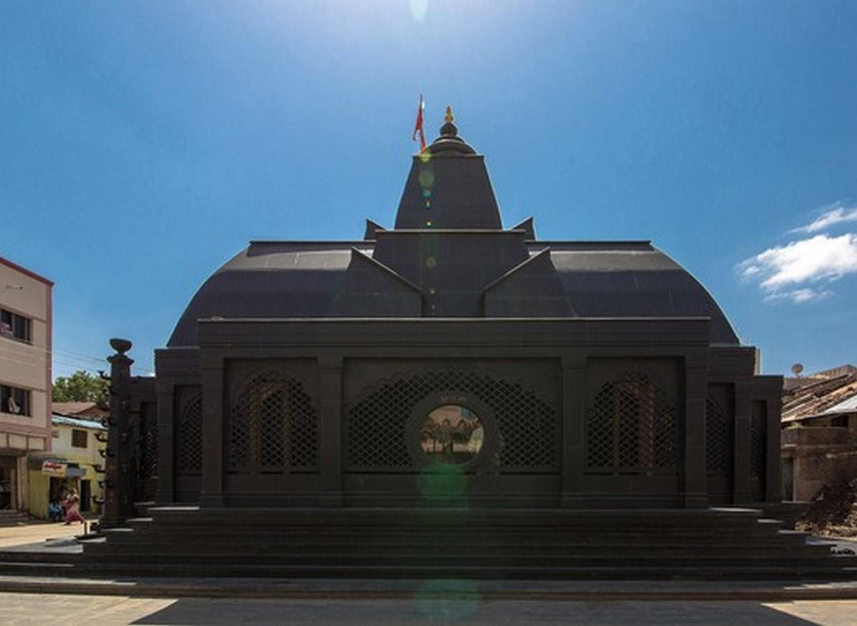 Maruti Mandir by Shailesh Devi: At the Centre of the Village - Sheet11