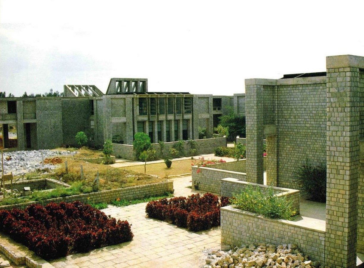 Indian Institute of Management, Bangalore by B.V Doshi: Reflection of the city - Sheet2