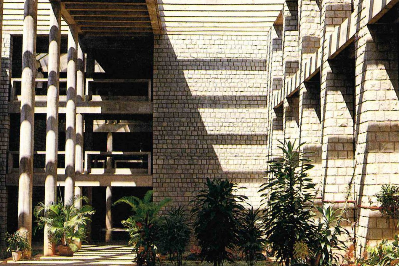 Indian Institute of Management, Bangalore by B.V Doshi: Reflection of the city - Sheet5