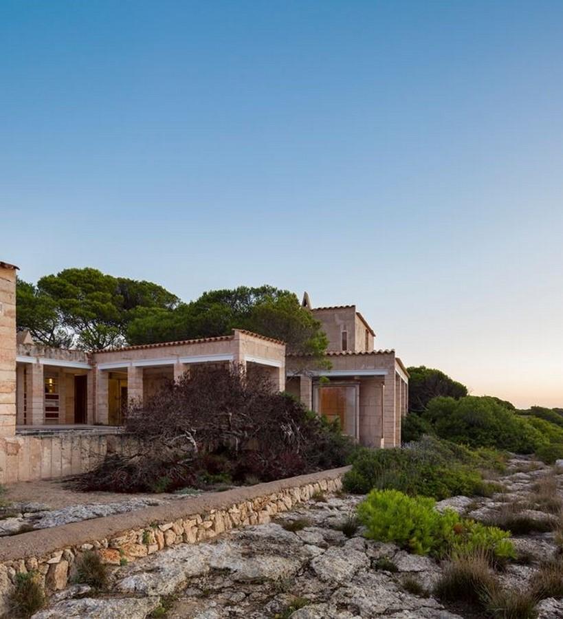 Can Lis House by Jørn Utzon: Reinterpreting the traditional methods - Sheet1