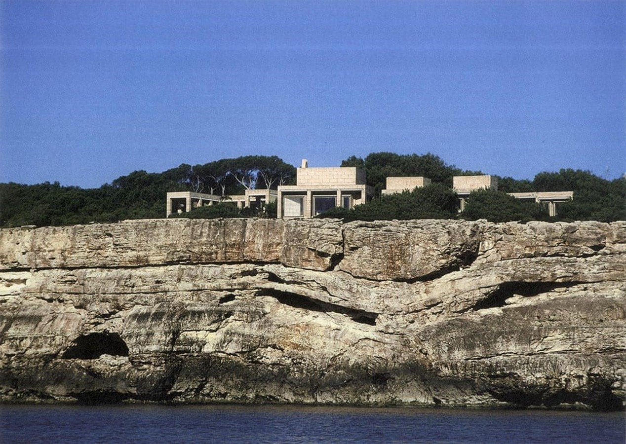 Can Lis House by Jørn Utzon: Reinterpreting the traditional methods - Sheet2
