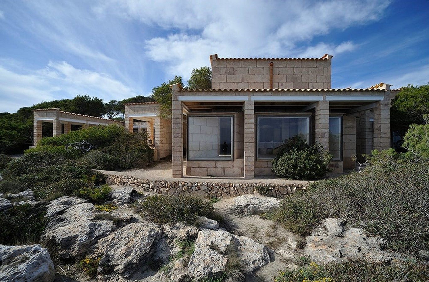 Can Lis House by Jørn Utzon: Reinterpreting the traditional methods - Sheet3