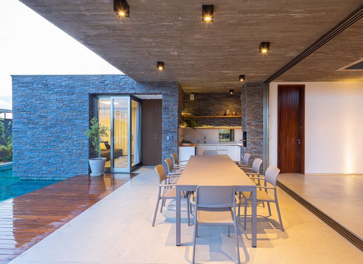 Corner House by Studio Kyze Arquitetura e Design - Sheet1