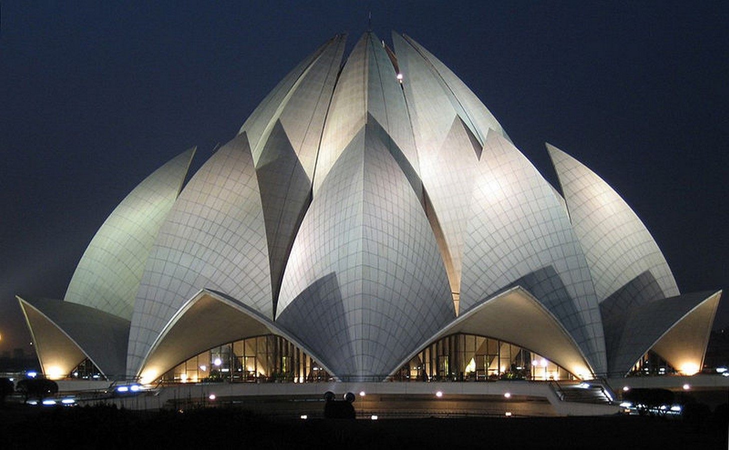 10 Structures explaining the contemporary style in Architecture - Sheet8