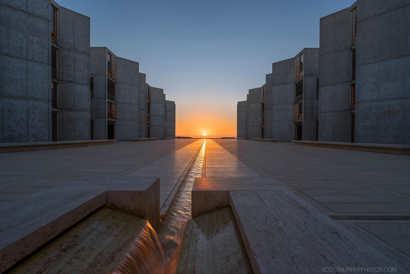 Salk Institute by Louis Kahn The pozzolanic concrete structure - Sheet1