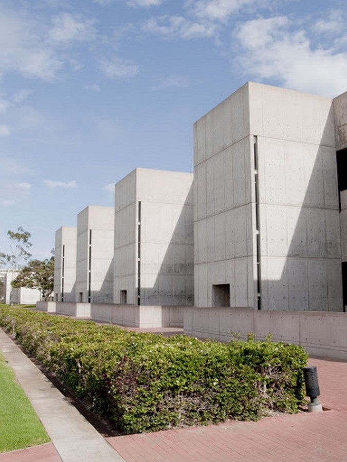 Salk Institute by Louis Kahn The pozzolanic concrete structure - Sheet4
