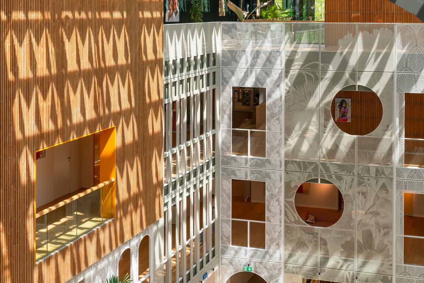 Goede Doelen Loterijen & Dutch Charity Lotteries Head Offices by Benthem Crouwel Architects: Under one roof - Sheet5