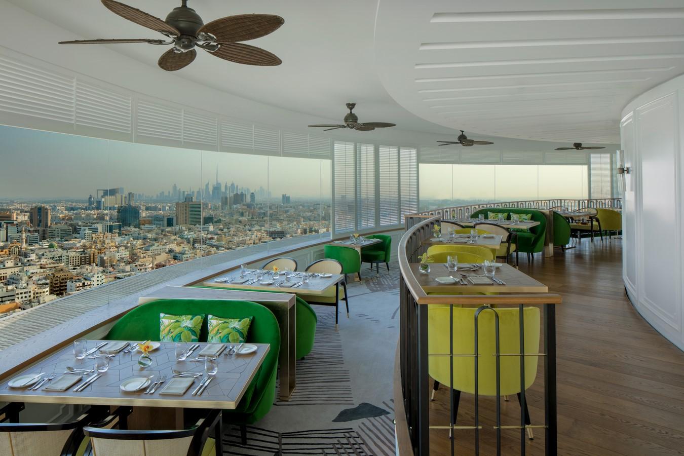 15 Examples of revolving hotels - Sheet14