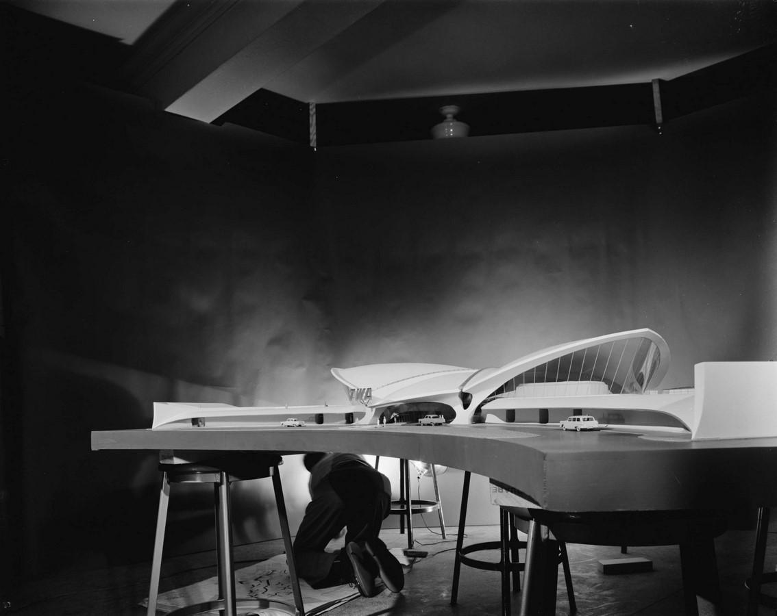 TWA Flight Centre, New York by Eero Saarinen: Capturing the Spirit of Flight - Sheet10