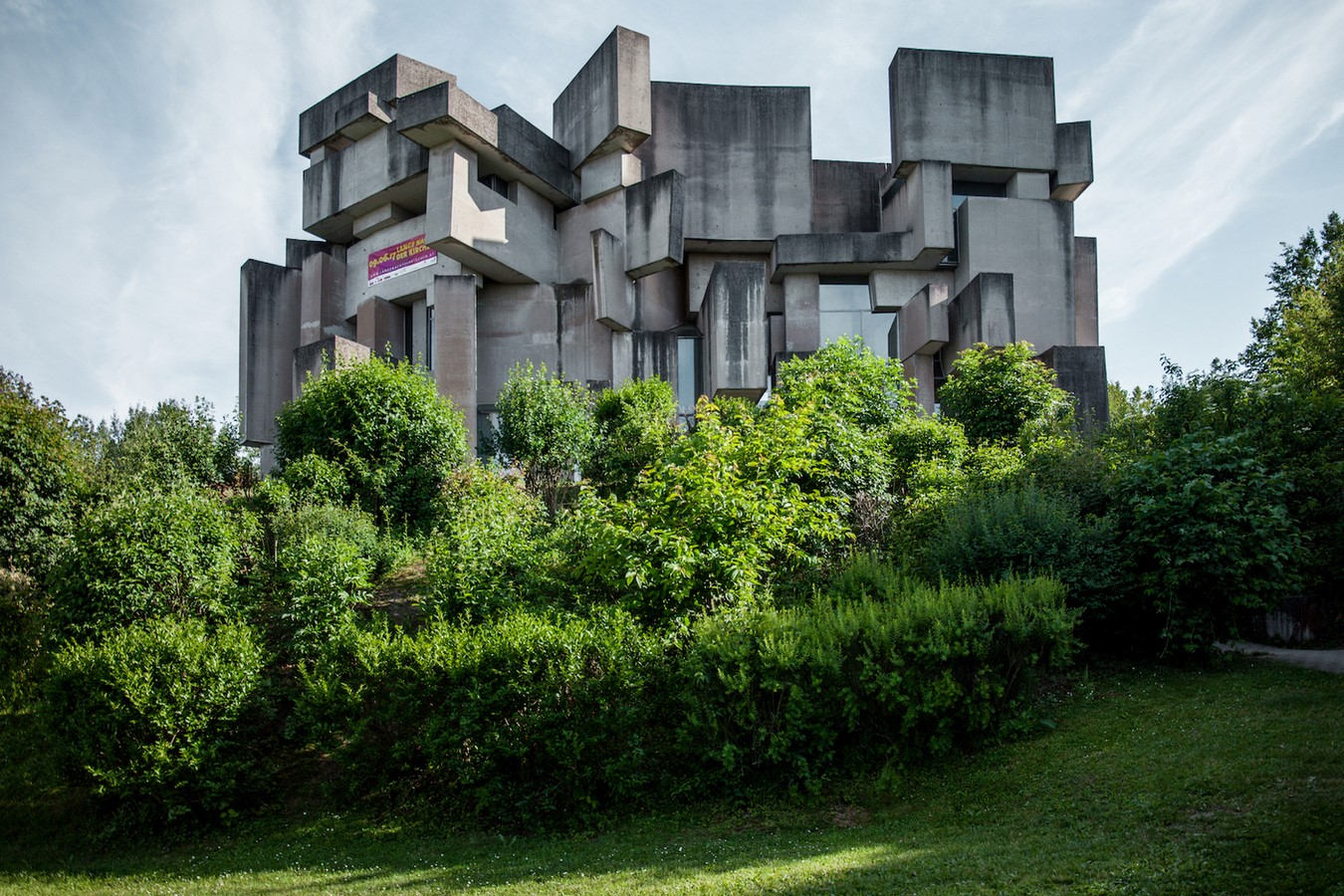 10 Brutalist Churches and Chapels around the world - Sheet2