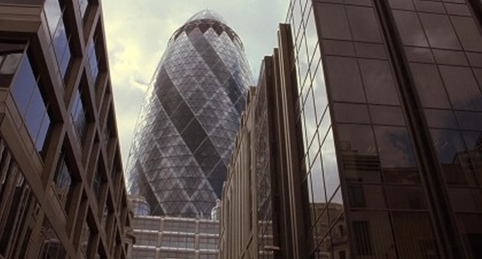 15 Famous structures that have made cameos in famous movies - Sheet7