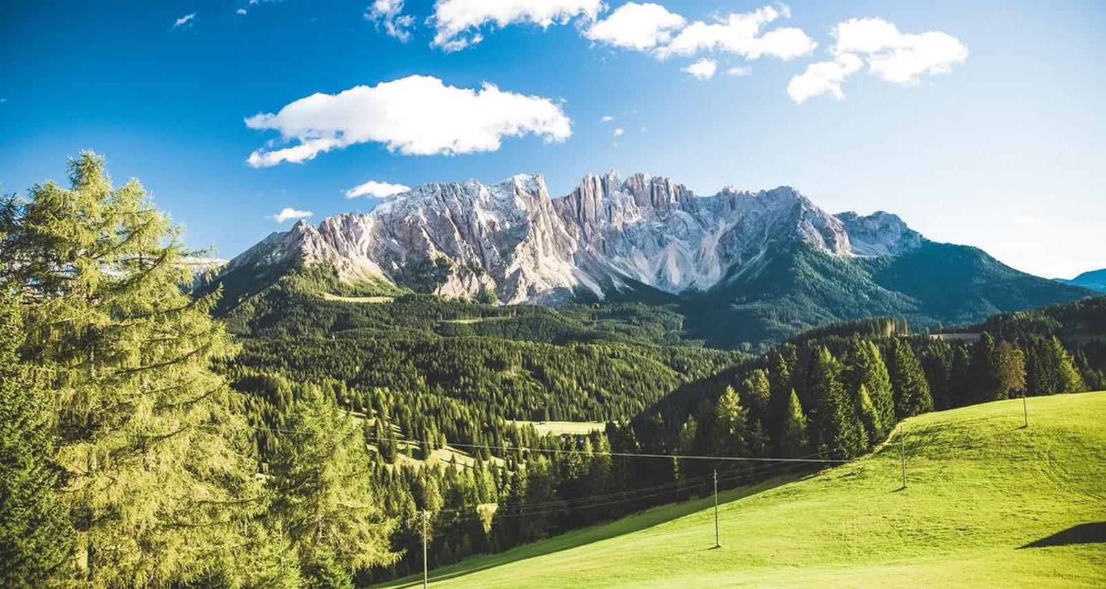 A mesmerizing panorama at the Jieshi Mountain - Sheet3