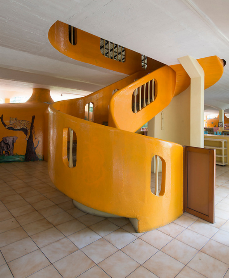10 Staircases designed by Geoffrey Bawa - Sheet12