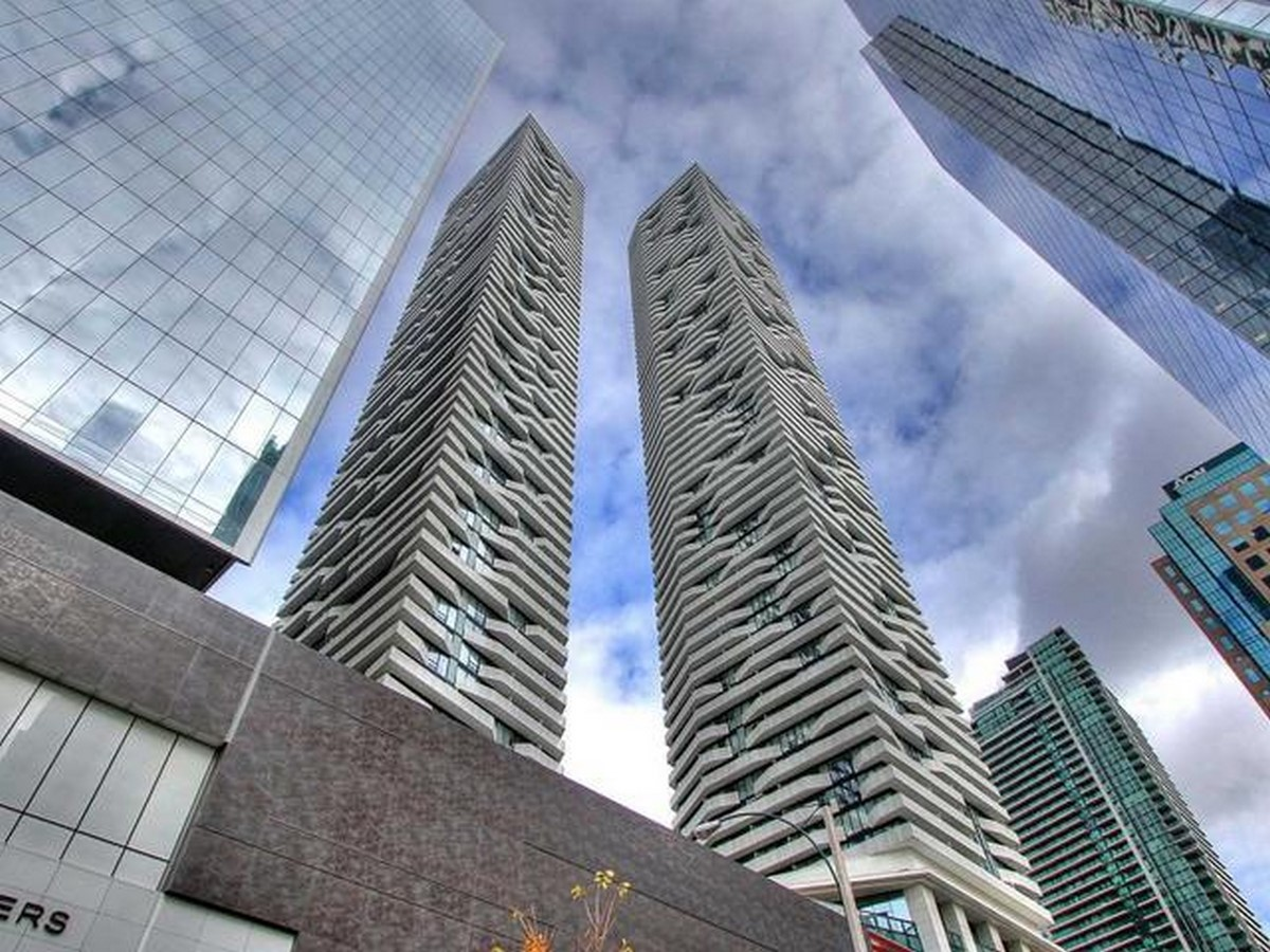 15 Tallest buildings in Toronto - Sheet12