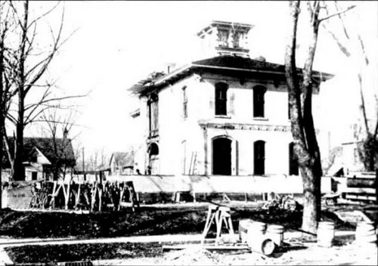 Dana Thomas House by Frank Lloyd Wright: A Prairie School Style House - Sheet4