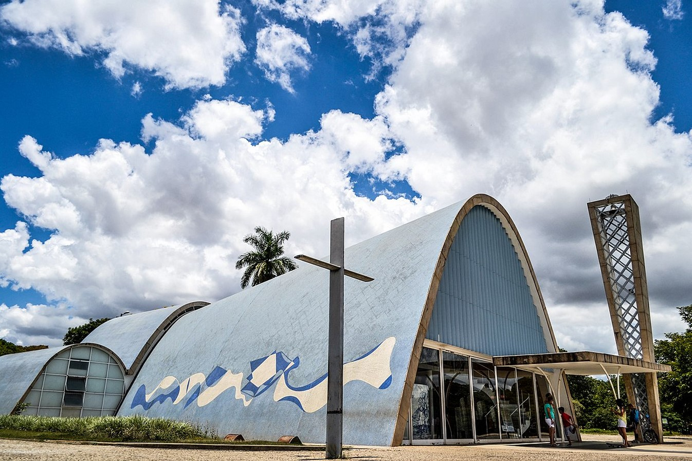 Church of Saint Francis of Assisi by Oscar Niemeyer: A Scandal in city's conservative culture - Sheet6