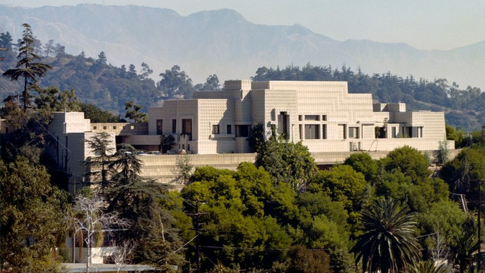 Ennis House by Frank Lloyd Wright A series of concrete block - Sheet2