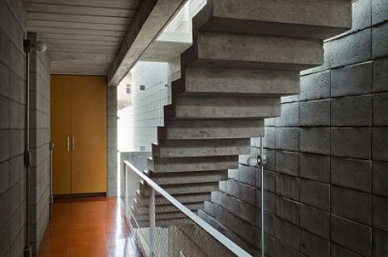 25 Concrete Staircases for Small Houses - sheet14