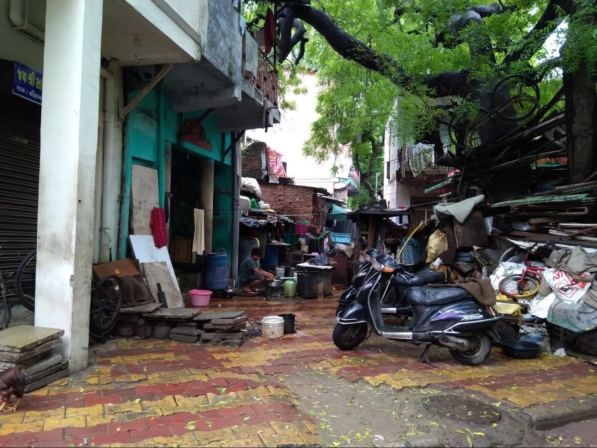Mithakhali gam in Ahmedabad Understanding community living - Sheet5