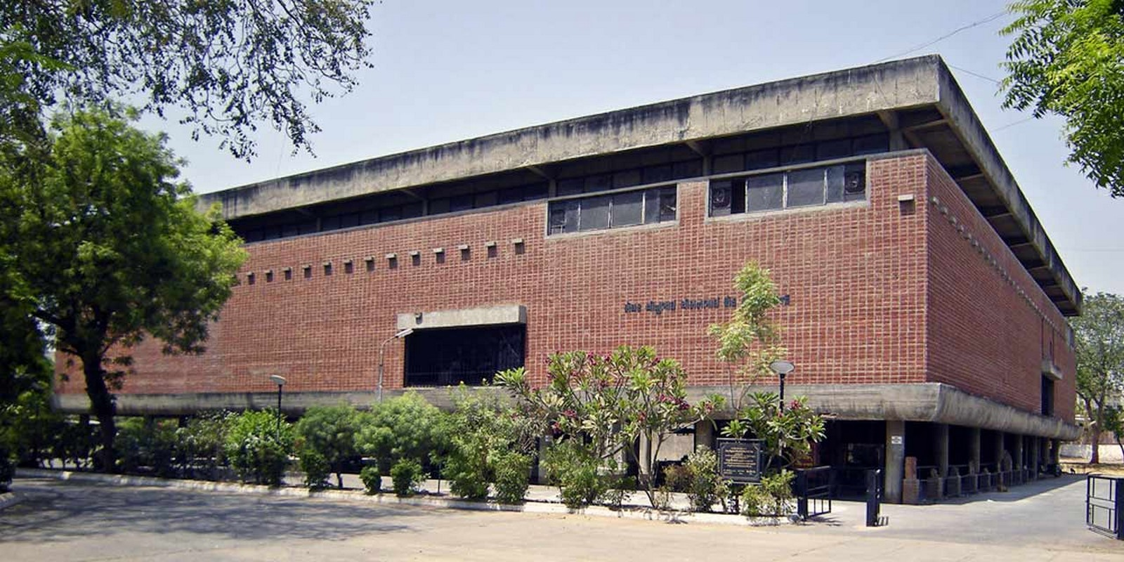 How Le Corbusier changed the history of architecture in India - Sheet7