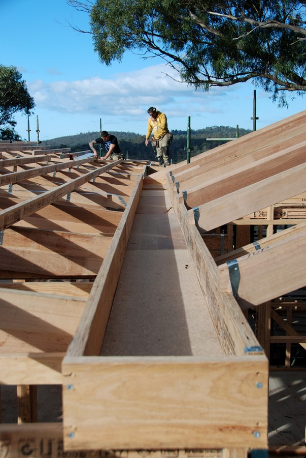 10 Things to know about butterfly roofing - Sheet8